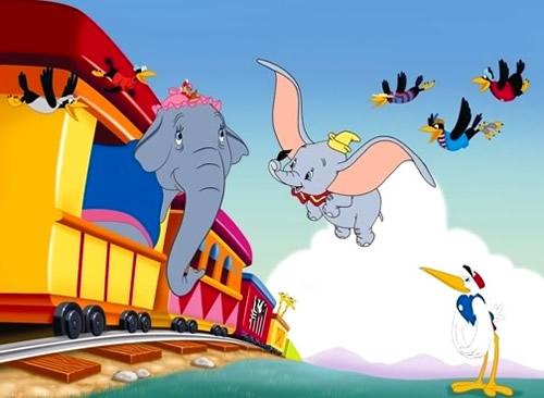 Dumbo fliegt seiner Mutter...