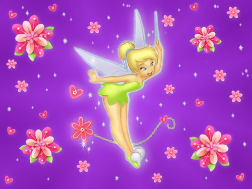 Tinkerbell inmitten von Blumen und Herzen