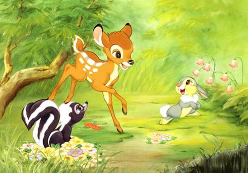 Bambi spielt mit Blume und Klopfer