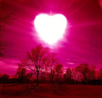 Herzsonne am roten Himmel