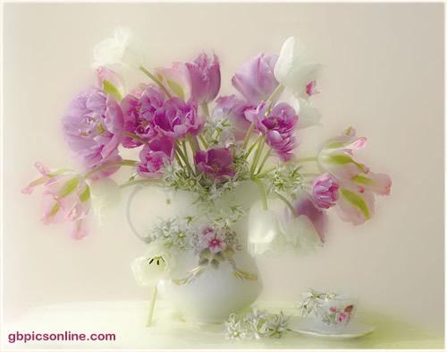 Romantische Blumenvase