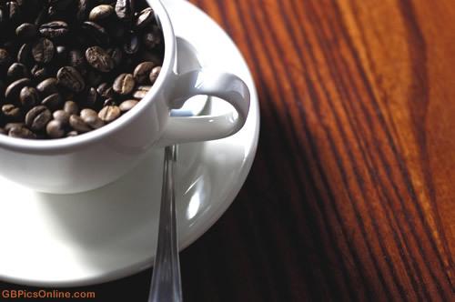 Bohnen in der Kaffeetasse
