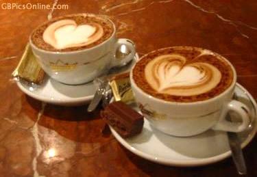 Herzen verschönern den Kaffeegenuss