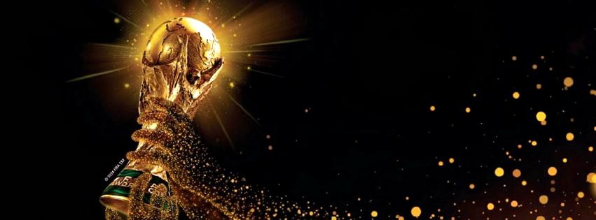 Der WM-Pokal wird hochgehalten