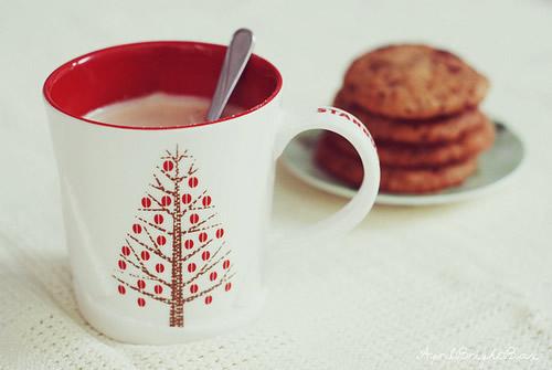 Kaffee und Kekse im Winter