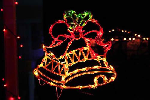 Glockenumriss als Weihnachtsbeleuchtung